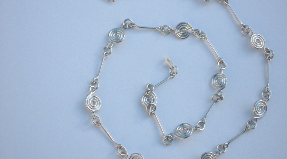 Silver Spiral & Bar Necklace 18'' £40.00