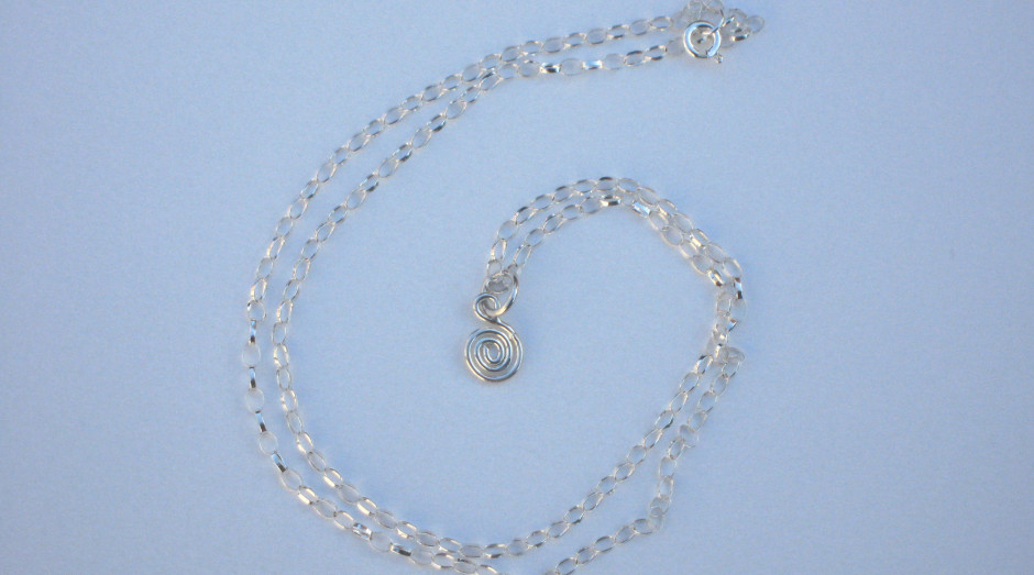 Silver Spiral Pendant on 18'' silver chain £10.00
